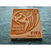 ФУТБОЛ.  ЧЕМПИОНАТ 2010. ТЯЖ. ОФИЦИАЛЬНЫЕ ЗНАКИ ФИФА.