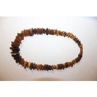 Бусы из необработанного янтаря, длина 40 см., вес 39 грамм, хорошее состояние.