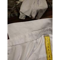 Практически новая белая рубашка