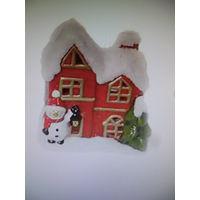 КУПЛЮ: Подсвечник Красный керамический ,,Домик Деда Мороза,,