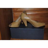Фирменные женские босоножки,-SOLID-размер-3 6,5/ 37-Натуральная кожа,YUGOSLAVIA!