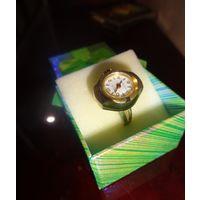 """Перстень/Часы с золотым напылением 583 пробы. Как новые. Швейцария """" EDEN"""", Механика"""