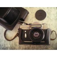 "Фотоаппарат ""Зенит-Е"" с Helios 44-1, б/у, исправен, целиком или по частям."