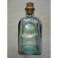 Бутылка с пробкой