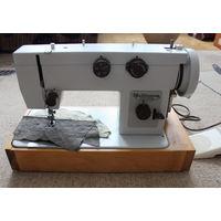 Швейная машина Чайка 143В с ножным приводом. Новая