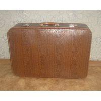 Старый чехословацкий чемодан.