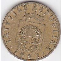 Латвия. 10 сантимов. 1992г. (80)