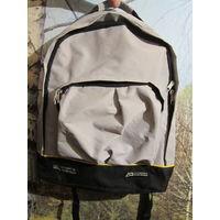 Рюкзак легкий и вместительный
