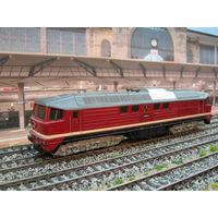 Дизельный локомотив BR 130 PIKO. Масштаб HO-1:87.
