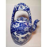 Старинный китайский чайник. Императорское клеймо. Ручная работа .