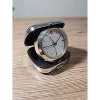 Часы будильник настольные, походные, карманные.