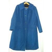 Пальто синее демисезонное,р.50