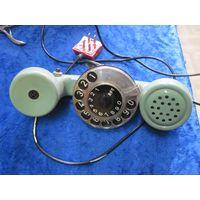 Телефон-трубка.