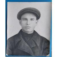 Фотопортрет юноши. 1930-е? 24х29.5 см