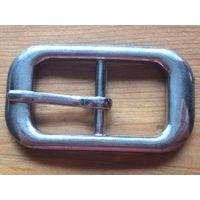 Пряжка для ремня, металл, размер 5 на 3 см, отличное состояние.