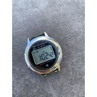 Часы электроника ( Лот с рубля )