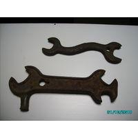 Два старинных гаечных  ключа одним лотом.