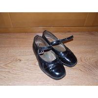 Туфли для девочки 17,5 по стельке