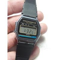 Часы электроника 52