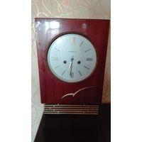 Часы настенные ЯНТАРЬ СССР 1986г