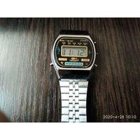 """Наручные электронные часы""""Hessel""""."""