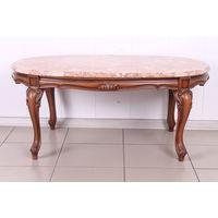 Кофейный столик с каменной вставкой.
