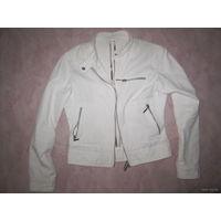 Белая джинсовая курточка, р.42-44