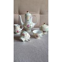 Посуда по раздельности от чайного сервиза
