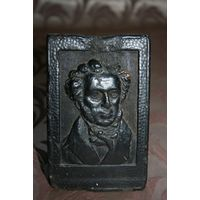 Настольный сувенир А. С. Пушкин 1837-1937 Карболит.