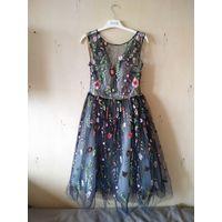 Праздничное платье с вышивкой