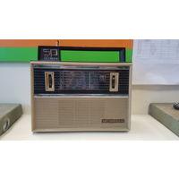 Радиоприёмник VEF SPIDOLA-10 ВЭФ СПИДОЛА-10 Юбилейный 50 ЛЕТ ОКТЯБРЯ Рабочий СССР