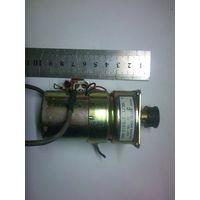 Мотор- редуктор с тахогенератором