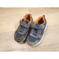 Детские кроссовки Котофей, размер 32.