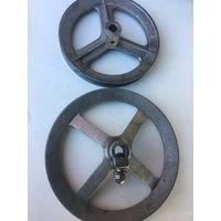 2 разных по  диаметру советских колёсиков  от  стиральных  машин. цена за 1.