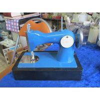 Детская швейная машинка ДШМ-1.