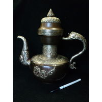 Старинный чайник,кувшин, кугман