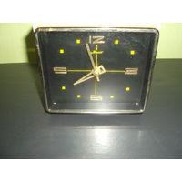 Часы настольные Маяк 70-е годы