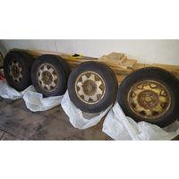 Летние шины 205/70R15 и диски 6X15 5X114,3 ET50