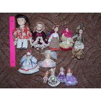 Куклы фарфоровые ( с дефектами и хорошие) см. фото. наличие и цену уточняйте