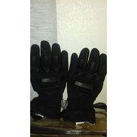 Новые  спортивные перчатки.для мотоспорта и не только