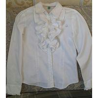 Блузка для девочки школьная р.128-134 ф.Benetton. 98% хлопок, 2% эластан.
