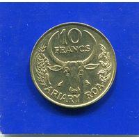 Мадагаскар 10 франков 1989 UNC