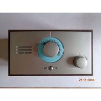 AM/FM-радио с подсветкой