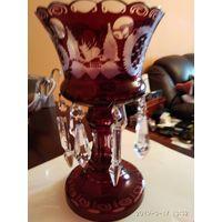 Интерьерная ваза тёмно-красное стекло рисунок хрустальные подвески ГДР.