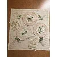 Салфетка 76*76 с вышивкой,подставки под тарелки,прихватки