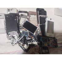 Samsung GT 5230. Коробка с телефонами