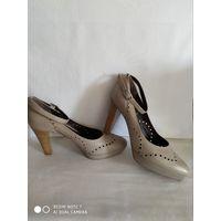 Туфли  GIORM VENEZIA(Италия),размер 37,натуральная кожа,бежевые