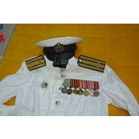 В полнейшем оригинале китель,брюки и фуражка офицера ВМФ 50-х! Бесценны погоны-см.коммент ниже.