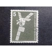Берлин 1975 стандарт, спутник Михель-0,3 евро гаш