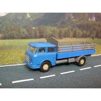 Модель грузового автомобиля Skoda-LIAZ 706. Масштаб HO-1:87.
